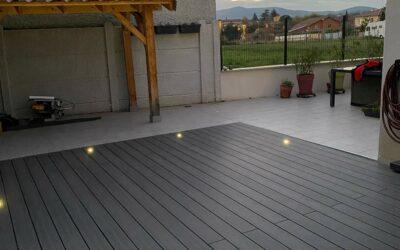 Terrasse bois composite à Craponne dans l'Ouest Lyonnais