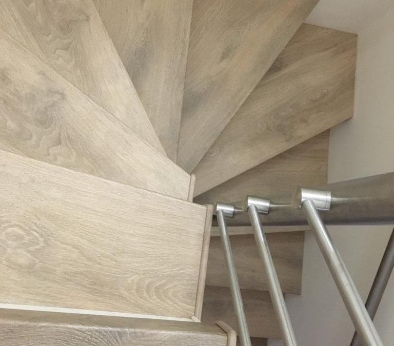 Intégrer mon escalier bois dans la rénovation de mon salon à Francheville (69340)
