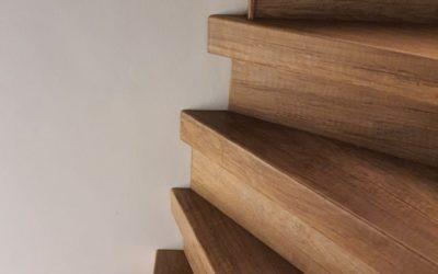 Changer une moquette d'escalier par de nouvelles marches plus modernes à Annecy 74